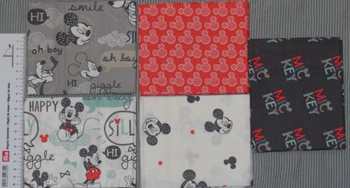 "5 Fat Quarter: Disney ""Mickey Mouse"""