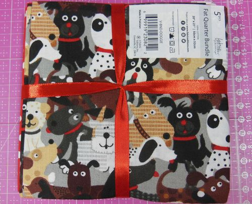 5 Fat Quarter: Hund Pfoten